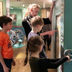 Rondleider_Mariniersmuseum